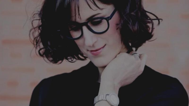 Natalie Junker ist Expertin, wenn es um unverwüstliches Bühnen Make Up geht