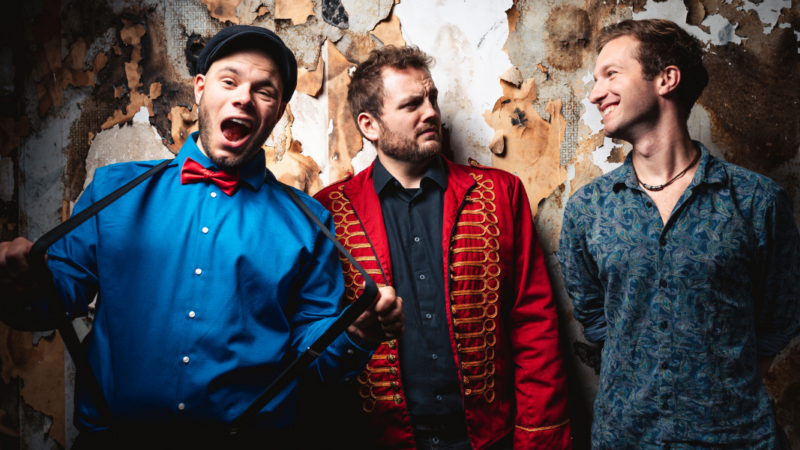 Monkey Circus mit neuer Single Lights Away